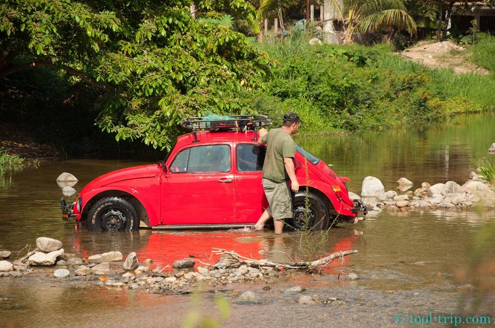 Laver sa voiture dans la riviere