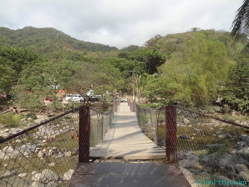 Rio Cuale bridge