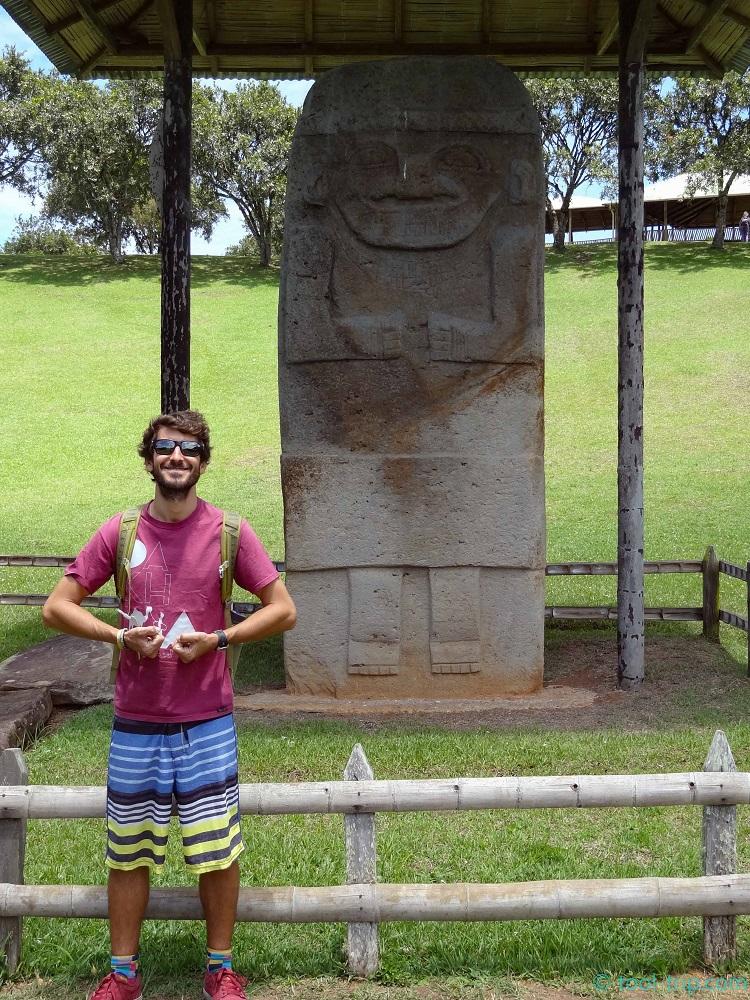 JM main statue Los Idolos