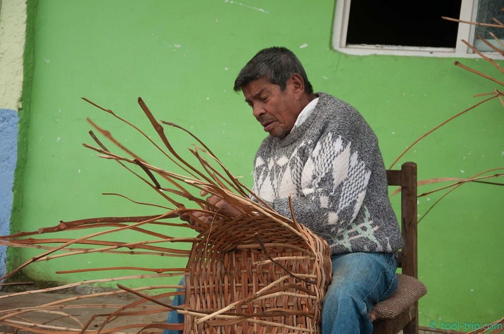 Famous basket weaving Filandia