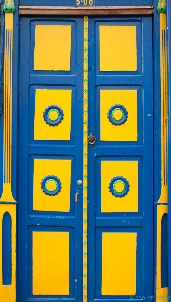 Salento colourful door