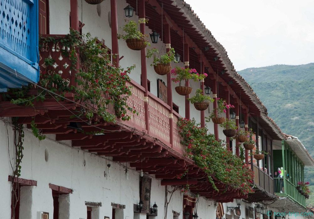 balcony-main-plaza-santa-fe