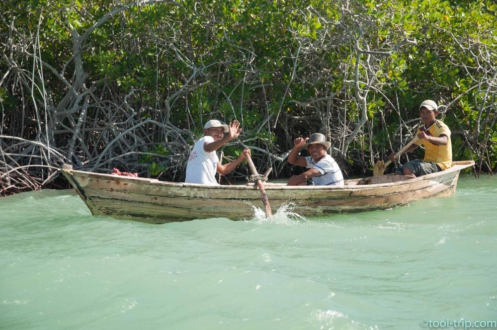 boat-fishermen-hondita