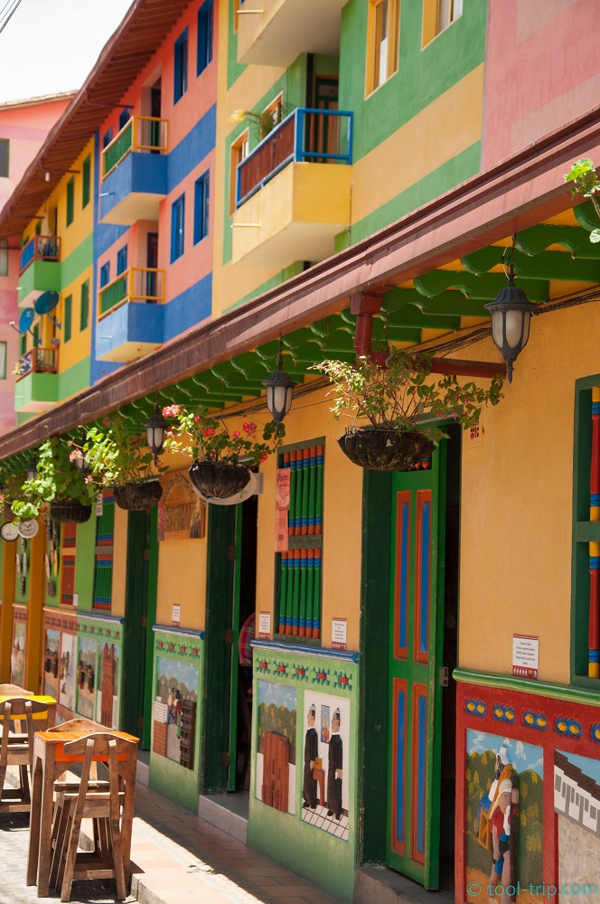 colourful-cafe-guatape