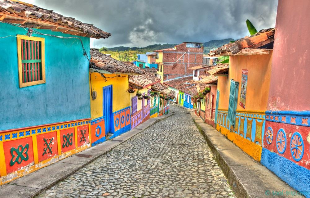 road-3-guatape
