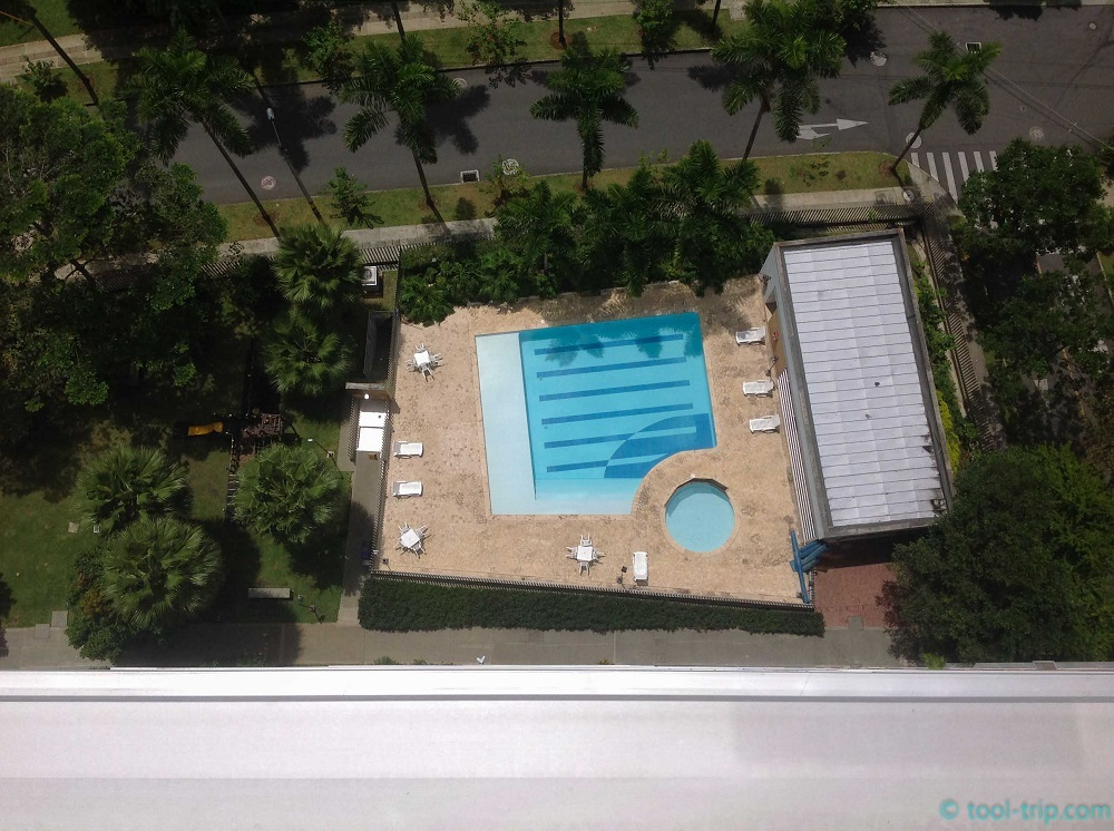 swimming-pool-19th-floor