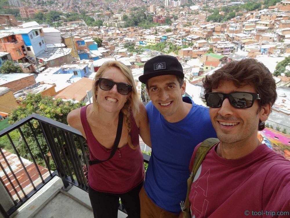 top-of-escalator-of-favela