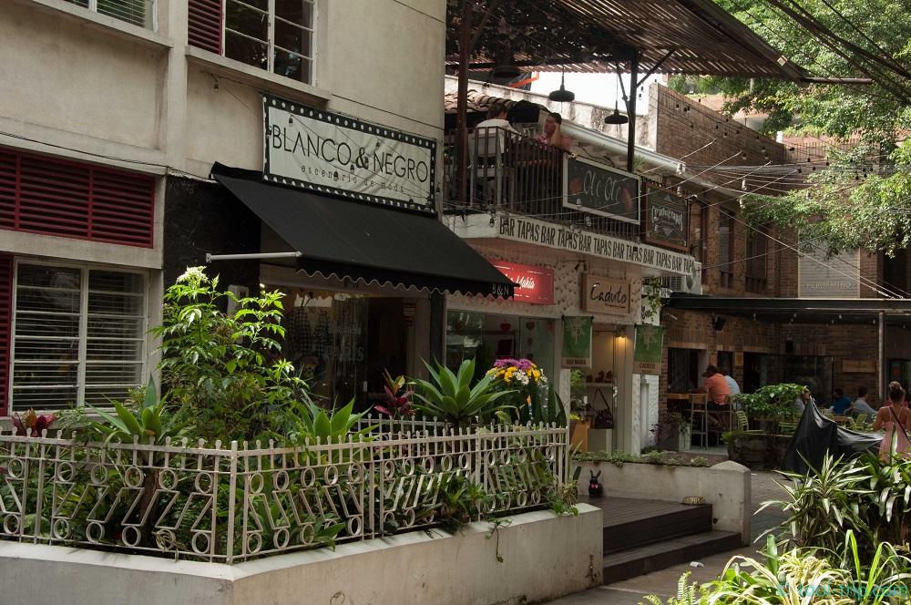 zona-rosa-shops