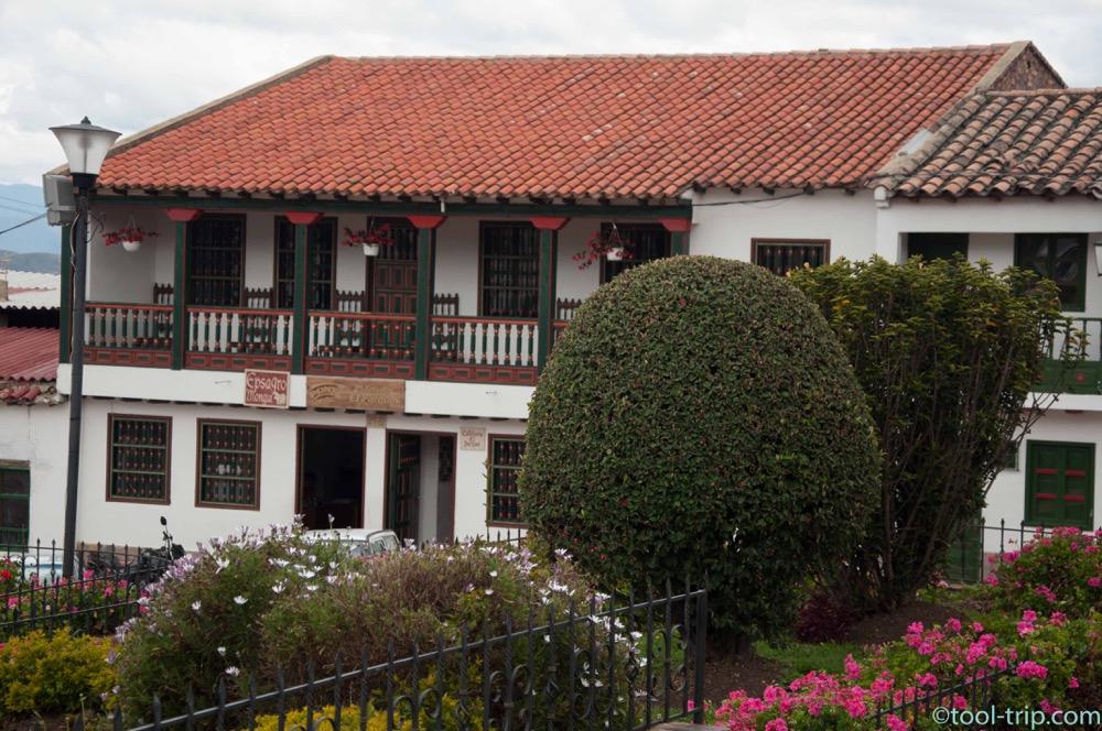 mongui-houses